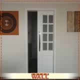 onde encontro porta de correr de madeira para banheiro Guarujá