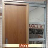 porta de correr de madeira para quarto Juquehy