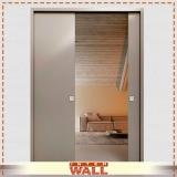 porta de correr de madeira para quarto