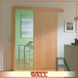 porta de correr em madeira para banheiro Mauá